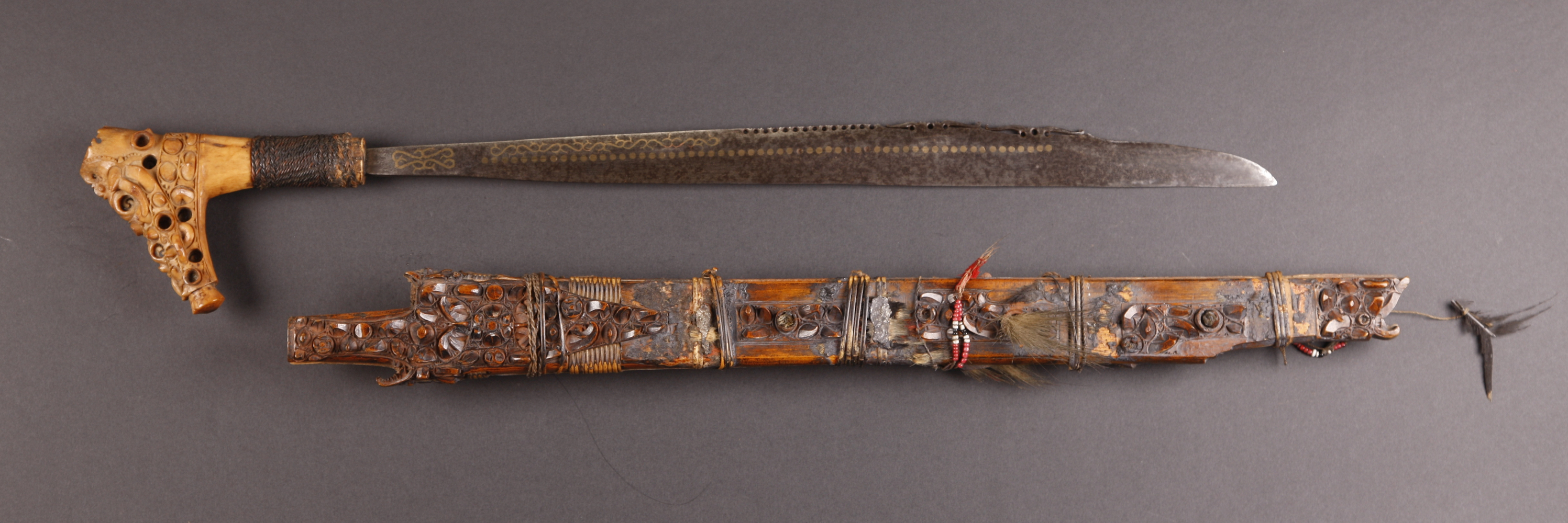 INDO618 : Dayak Mandau Sword
