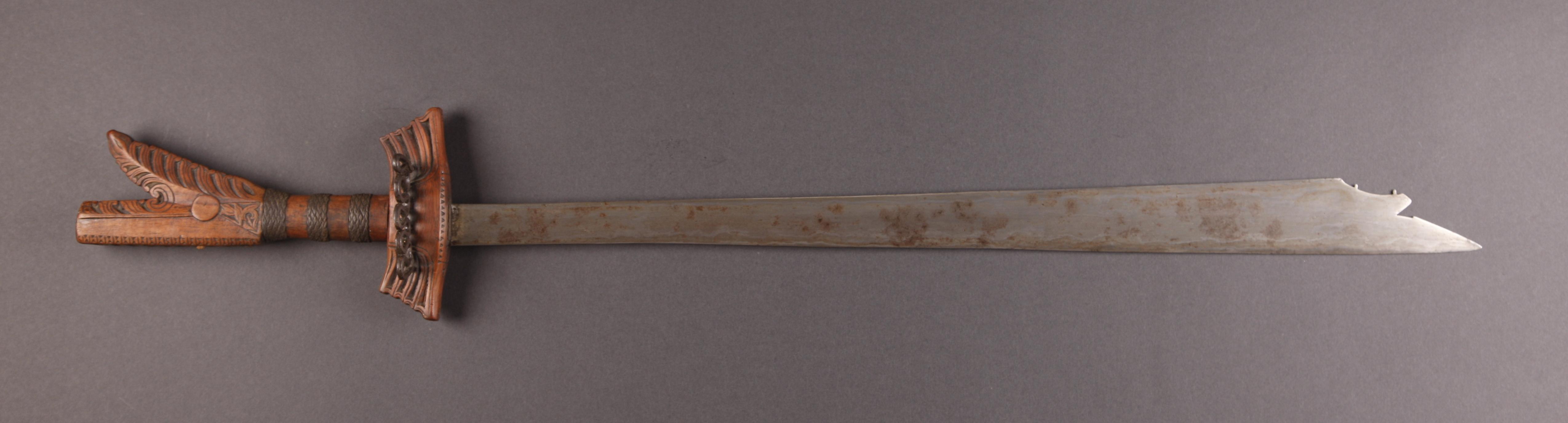PH670 : Moro Kampilan Sword