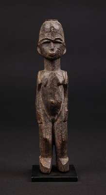 AF568 : Lobi Female Figure