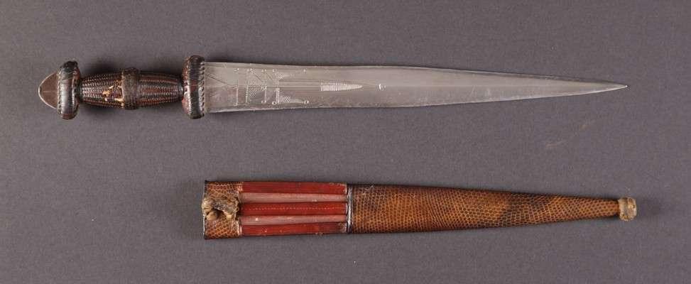 AF602 : Large Tuareg Knife