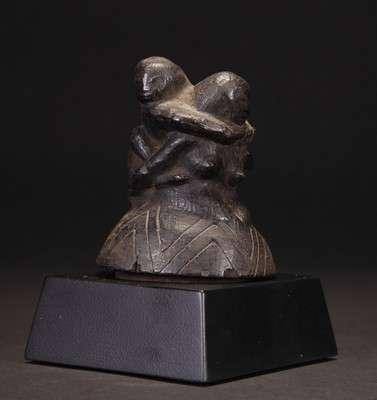 INDO573 : Dayak Stone Top