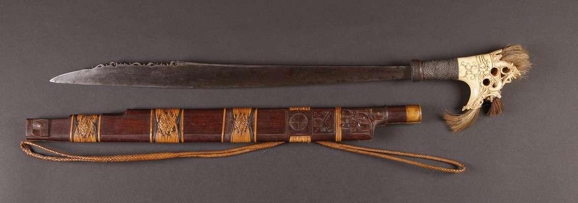 INDO604 : Dayak Mandau Sword