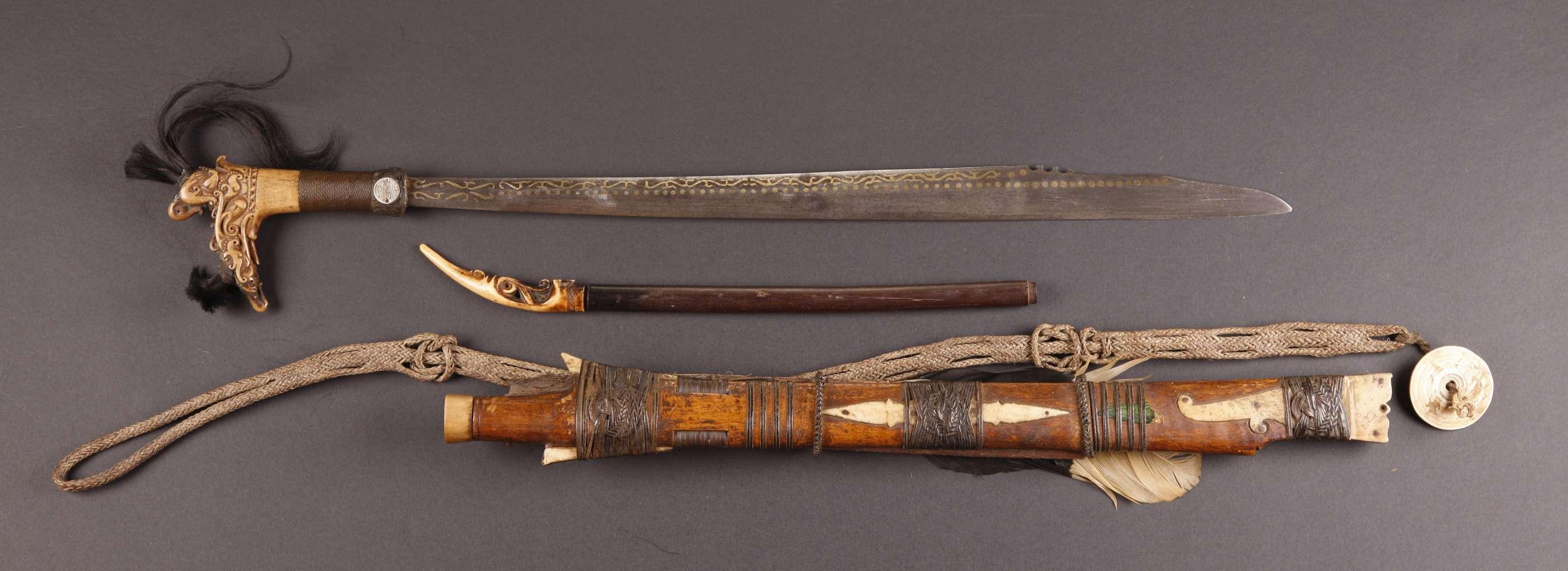 INDO619 : Dayak Mandau Sword