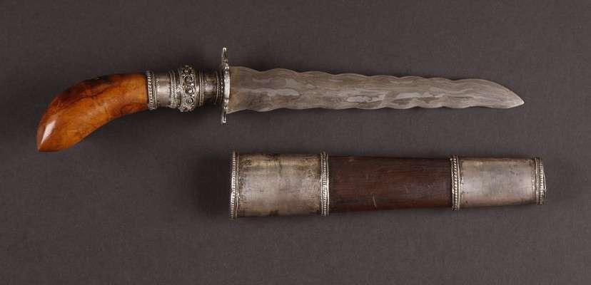 PH654 : Moro Punal Dagger