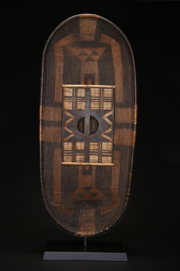 Tribal Art :: African Art :: AF525: Azande War Shield